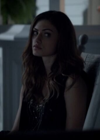 File:Hayley 18 TO 1x02.jpg