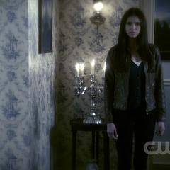 Elena as she appears in Damon's flashback dream from 1864