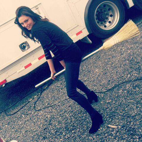 File:Phoebe tonkin instagram bisTyQLY.sized.jpg