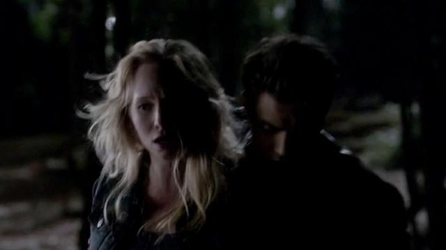File:Stefan protects Caroline 4x16.png