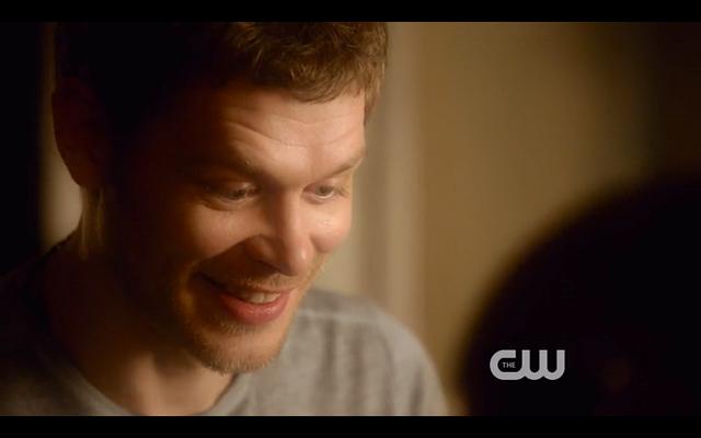 File:1x22-Klaus smiles.png