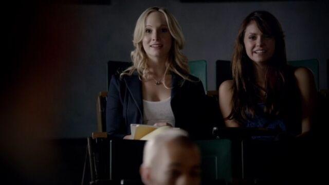 File:Elena and Caroline 9 TVD 5x02.jpg
