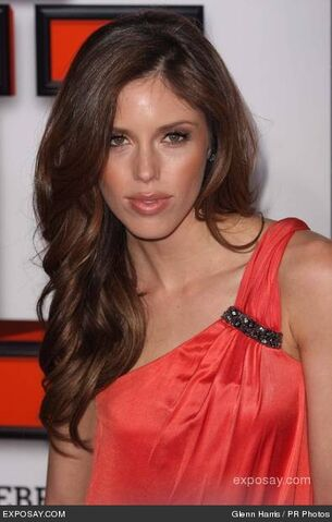 File:Kayla-ewell-fired-los-angeles-premiere-1nKnDT.jpg