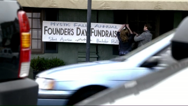 File:Screenshot 1x15 founders day fundraiser.png