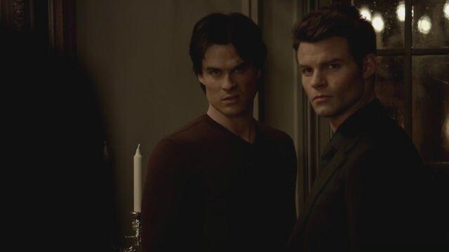 File:The-Vampire-Diaries-3x13-Bringing-Out-the-Dead-HD-Screencaps-elijah-28812015-1280-720.jpg