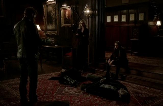 File:Stefan-Caroline and Elena in 3x18.png