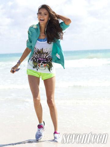 File:Nina-dobrev-seventeen-fitness-3.jpg