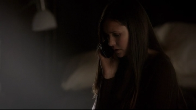File:Elena-Gilbert-has-the-Pebble-Blue-Samsung-Galaxy-SIII-on-The-Vampire-Diaries-Season-4-Episode-2-Memorial. Png