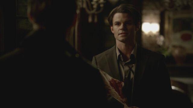 File:The-Vampire-Diaries-3x13-Bringing-Out-the-Dead-HD-Screencaps-elijah-28811437-1280-720.jpg