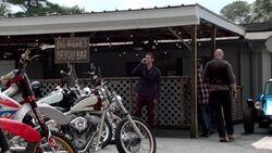 Big Auggie's Bayou Bar TO 1x05.jpg