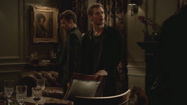 File:The-Vampire-Diaries-3x13-Bringing-Out-the-Dead-HD-Screencaps-elijah-28811979-1280-720.jpg