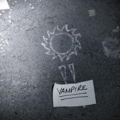 Das Symbol für Vampir: Sonne und Fangzähne