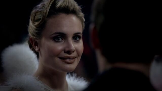 File:Camille 7 TO 1x03.jpg