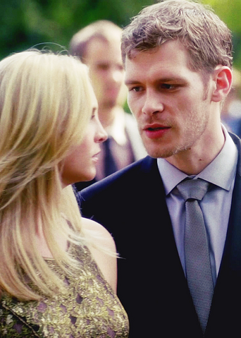 File:Caroline and Klaus 4x7...png