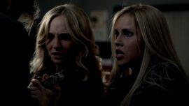 The.Vampire.Diaries.S03E21.720-3.jpg
