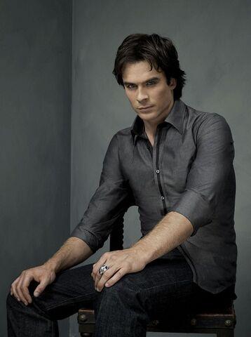 File:The-Vampire-Diaries-promo-photo-Ian-Somerhalder-2.jpg