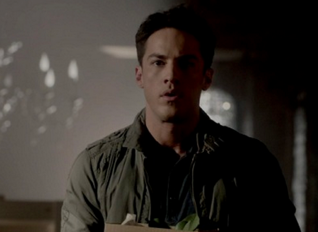 File:3x21 Tyler Lockwood Before Sunset..png