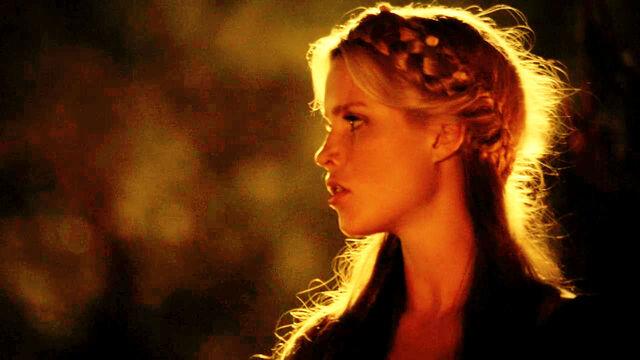 File:Rebekah-the-vampire-diaries-27579883-1280-720.jpg