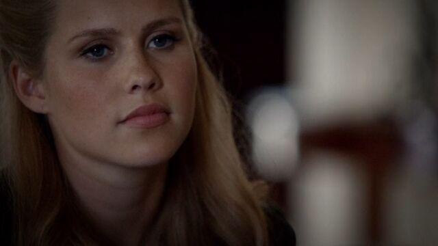 File:Rebekah 2 TO 1x04.jpg