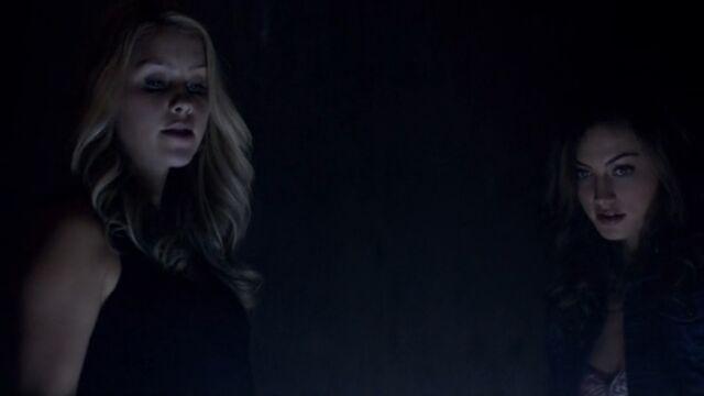 File:Rebekah and Hayley 3 TO 1x02.jpg