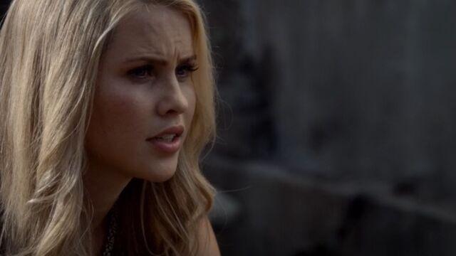 File:Rebekah 13 TO 1x02.jpg