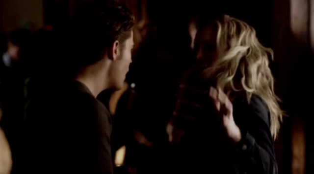 File:Steroline dancing 4x16.png