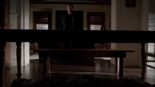 File:TVD4x13-Gilbert House 69.jpg