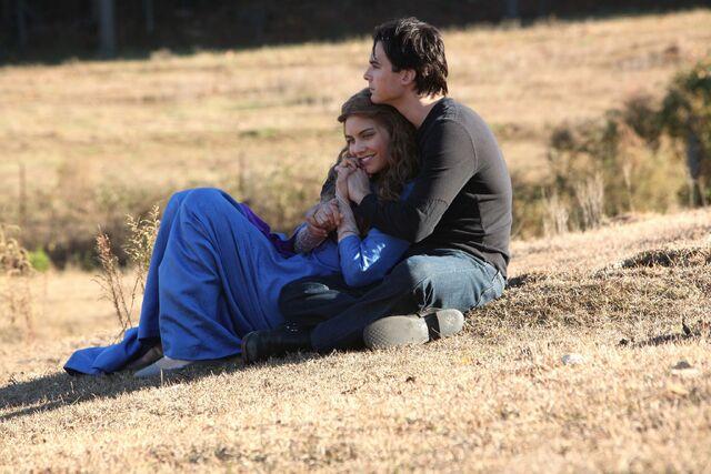 File:Damon embracing Rose.jpg