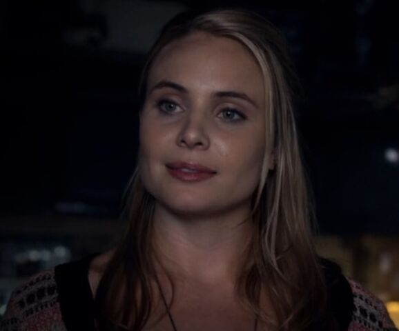 File:Camille 3 TO 1x02.jpg