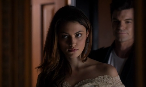 File:Hayley and Elijah 1x10.png