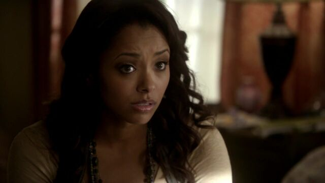 File:The-vampire-diaries-2x11-by-the-light-of-the-moon-bonnie-bennett-cap.jpg