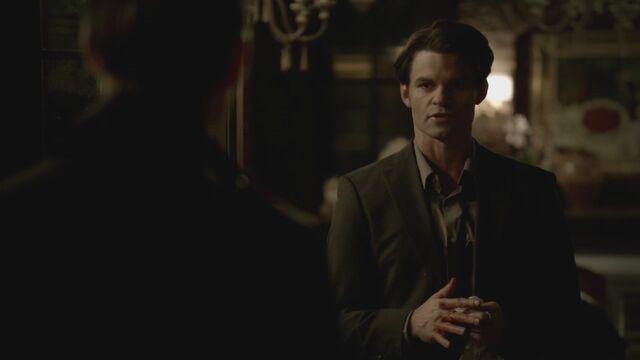 File:The-Vampire-Diaries-3x13-Bringing-Out-the-Dead-HD-Screencaps-elijah-28811432-1280-720.jpg