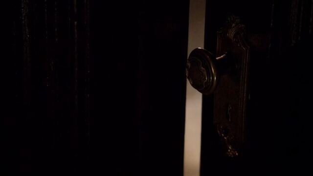 File:Caroline and Elena's Dorm Room.jpg