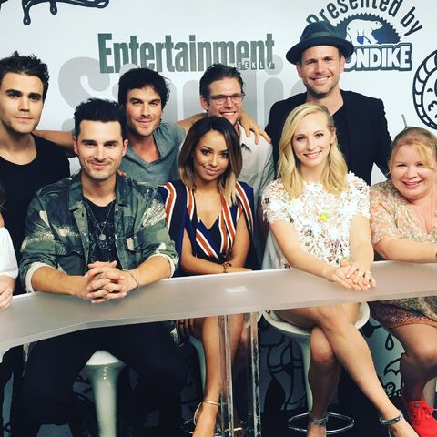 File:2016-07-23 SDCC EW Paul Wesley Michael Malarkey Ian Somerhalder Kat Graham Zach Roerig Candice King Matt Davis Julie Plec.jpg