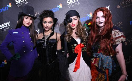 File:Nina, kat, kayla, and sara..jpg