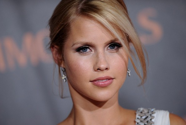 File:Claire+Holt+Immortals+World+Premiere+90gEwXk8G4Ol.jpg