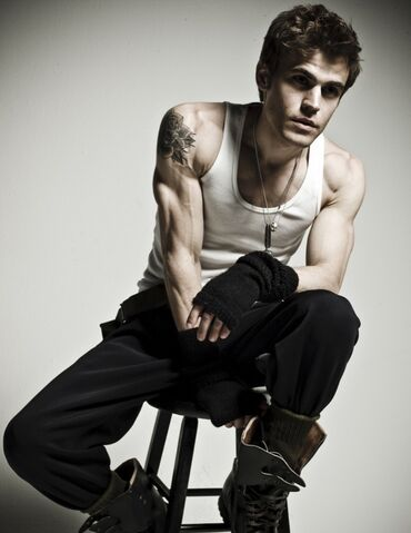 File:Paul-wesley-arms-and-boots.jpg