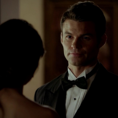 Elijah tells Elena about his concerns to his mothers intensions