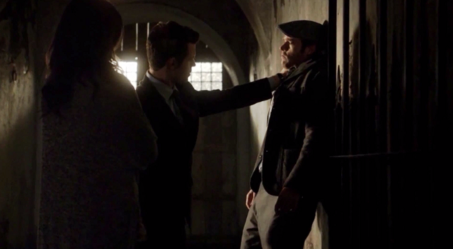 File:Hayley-Elijah-Thierry 1x12.png
