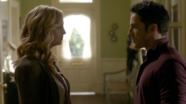 File:Caroline and Tyler in 2x8.png