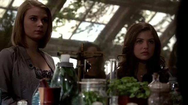 File:Davina 1x18 (2).png