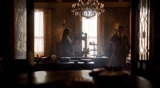 File:Hayley-Elijah 1x21.png