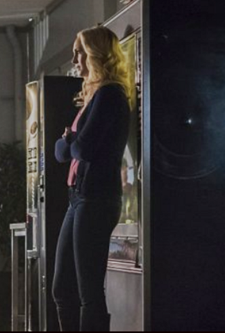 File:Caroline Forbes clothes 6x12.png