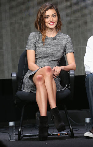 File:Phoebe-Tonkin-took-cool-girl-dress-code-panel-completing.jpg