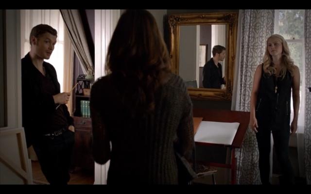 File:1x03-Klaus, Hayley and Rebekah.png