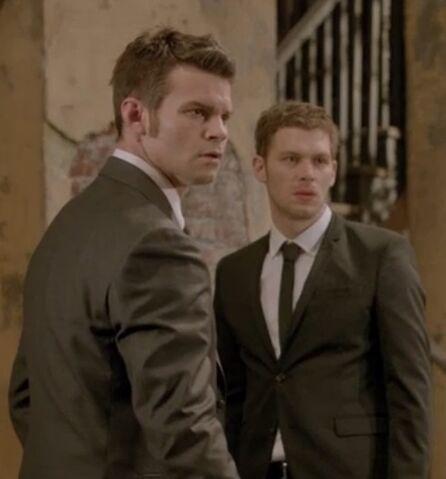 File:Klaus-and-elijah-in-episode-201.jpg