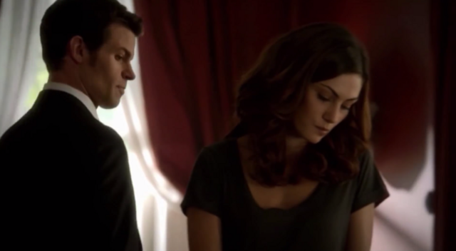 File:Elijah and Hayley 1x1...png