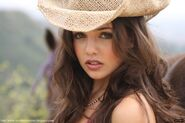 http://elokes.com/wp-content/gallery/top-15-women-of-today-tomorrow-gallery/danielle-campbell-starstruck-16