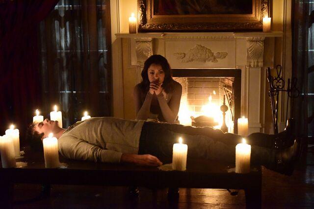 File:Bonnie and Damon 7x10.jpg