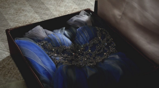 File:Klaroline dress 3x14.png